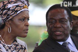 ЮАР выдала ордер на арест жены зимбабвийского диктатора Мугабе
