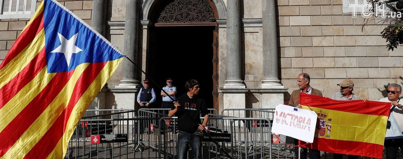 Іспанський суд заарештував вісьмох відсторонених міністрів уряду Каталонії