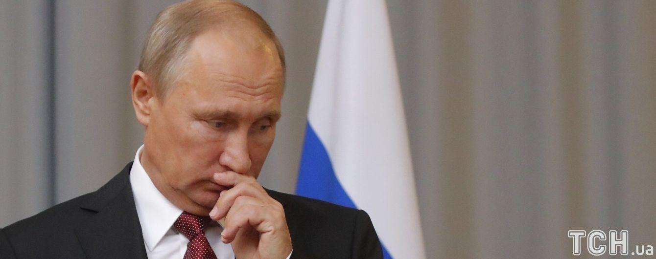 У Кремлі відреагували на наміри Навального судитися з Путіним