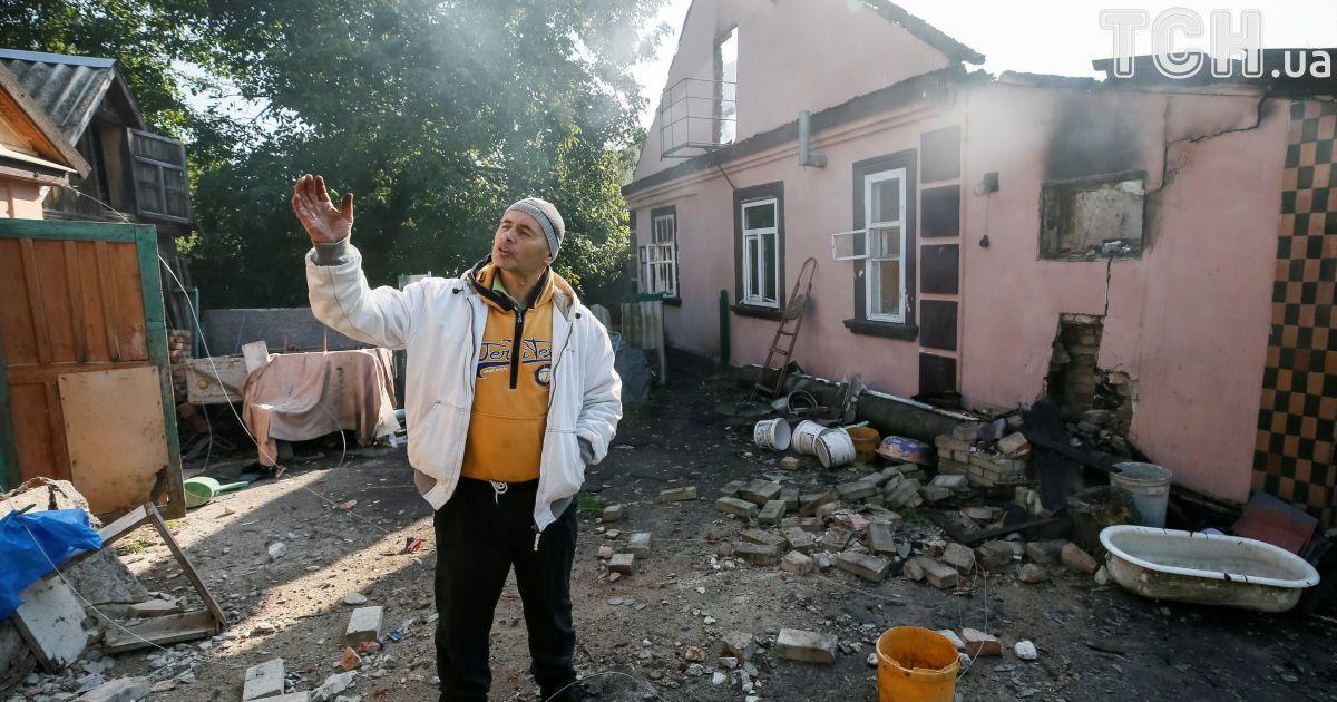 Колони техніки і знищені будинки. Як виглядає життя в епіцентрі вибуху на складах під Калинівкою