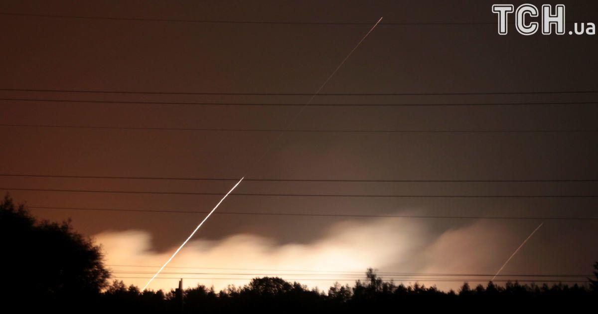 Взрываются танковые боеприпасы: в Генштабе сообщили, что на складах в Калиновке не было химвеществ