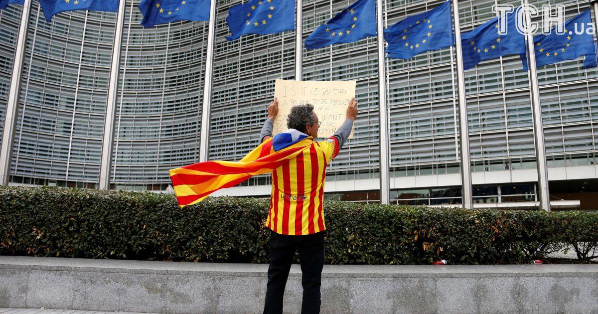 Голосование было незаконным. ЕС отреагировал на каталонский референдум за независимость