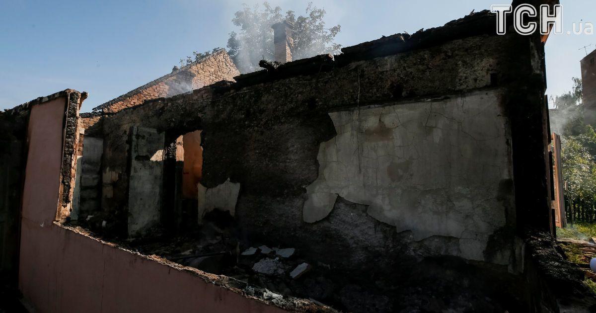 Военные эксперты назвали возможные причины взрывов на складах
