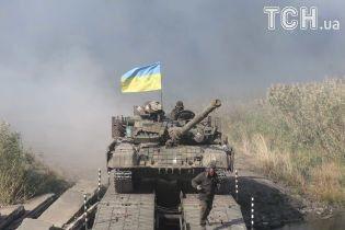 Мифы о военном положении и как реагируют на новый режим в десяти областях Украины
