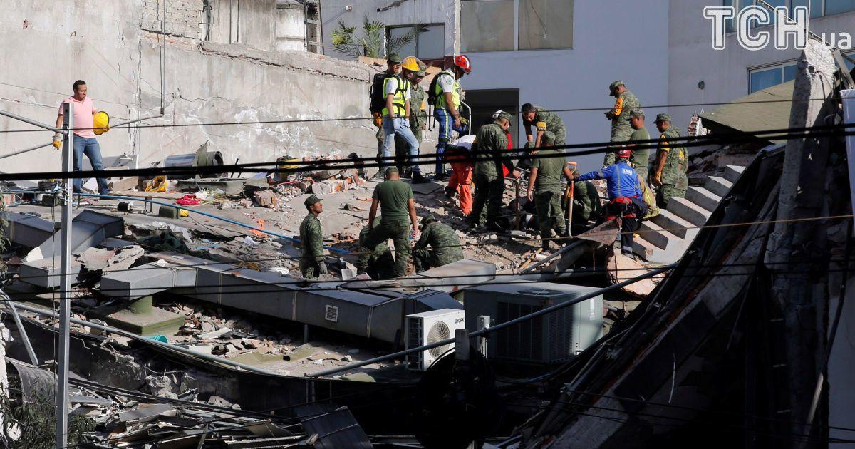 Почти 140 человек стали жертвами землетрясения в Мексике