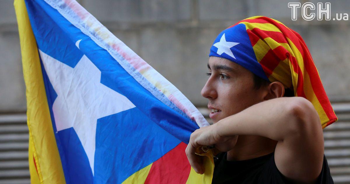 Около 90 % каталонцев на референдуме проголосовали за независимость от Испании