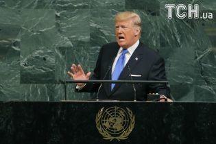 """Трамп пригрозил полностью уничтожить КНДР и обозвал ее лидера """"человеком-ракетой"""""""