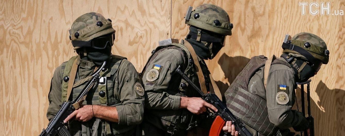 Возле Мариуполя эвакуируют воинскую часть из-за пожара на складе боеприпасов