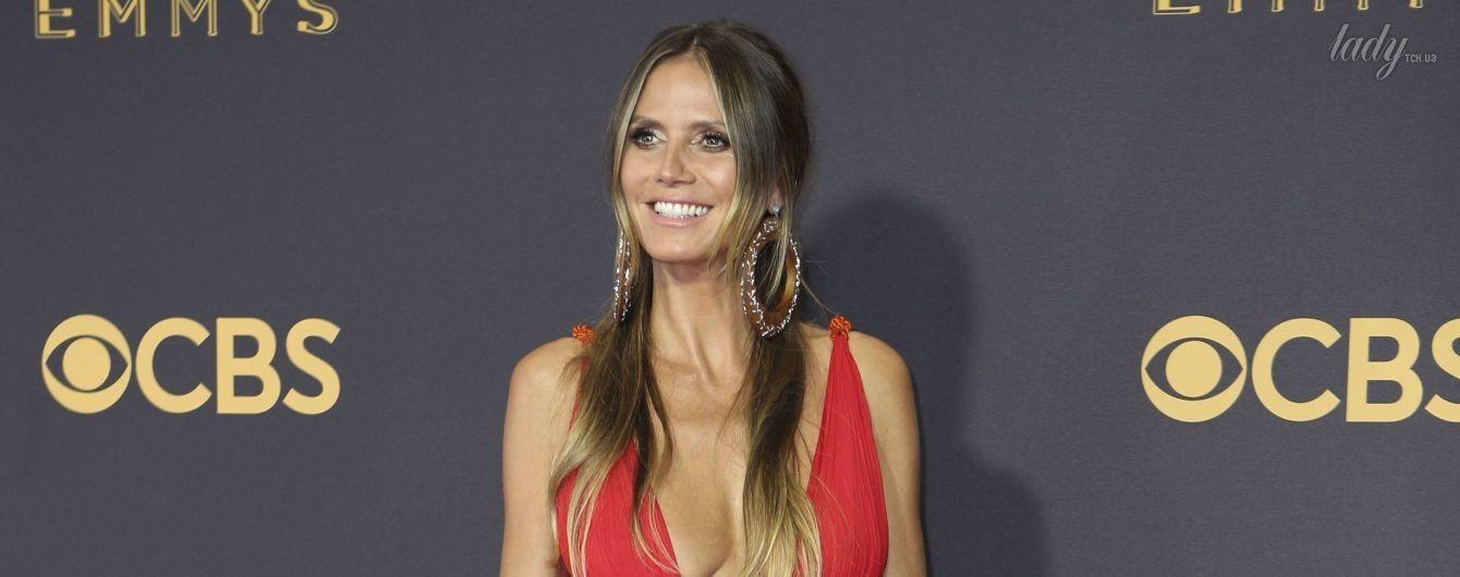 Без нижнего белья: Хайди Клум вышла на красную дорожку в откровенном платье