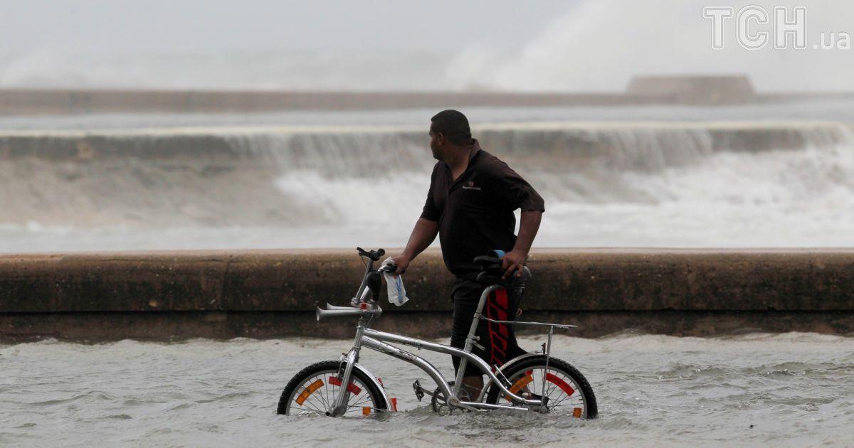 "Улицы-реки: ураган ""Ирма"" затопил Майами"