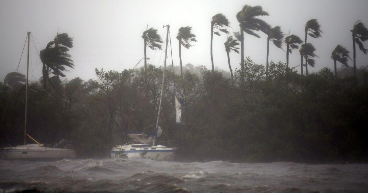 """Збитки від ураганів """"Гарві"""" і """"Ірми"""" можуть перевищити 290 млрд доларів"""