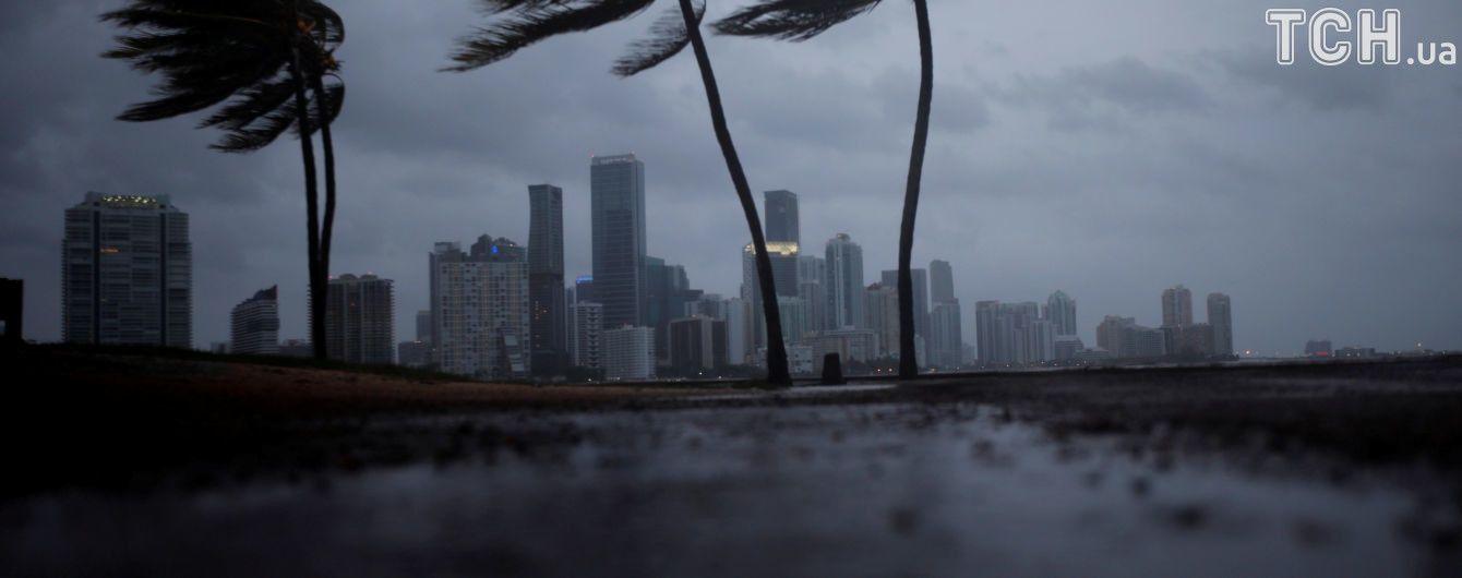 """Флориду вскоре атакует мощный тропический шторм """"Майкл"""""""