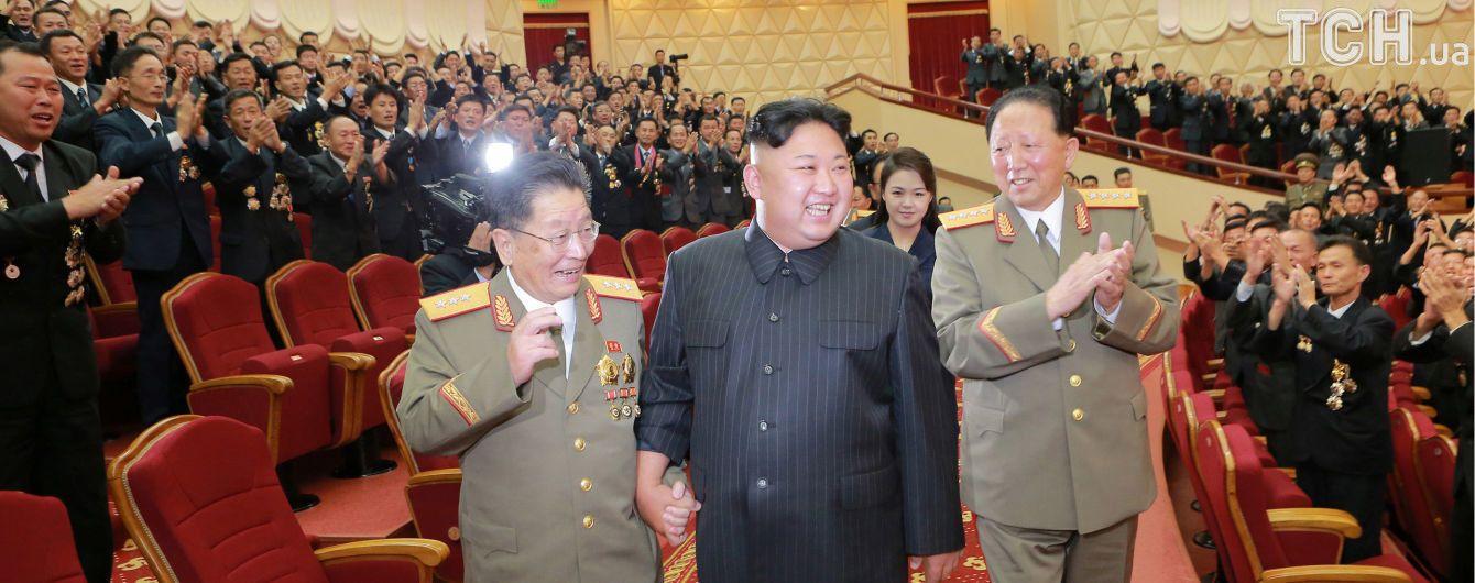 Советник Трампа рассказал о существовании в США военного варианта борьбы с КНДР