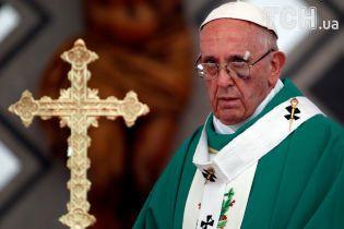 В Чили атаковали церкви перед визитом Папы Римского