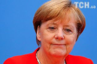 """""""Ужасная прическа"""": парикмахер Ангелы Меркель рассказал, как впервые принял канцлерку"""