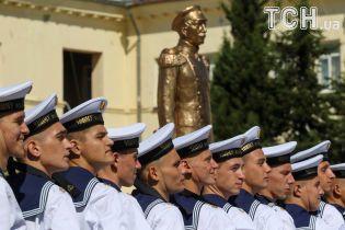 Reuters показало, как в оккупированном Севастополе курсанты ЧВВМУ имени Нахимова клялись на верность РФ