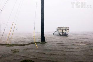 """Техас столкнулся с рекордными паводками вследствие урагана """"Харви"""""""