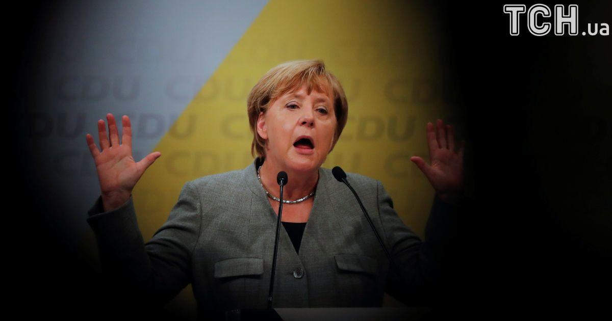 В парламент Германии впервые за семь десятилетий зашли ультраправые. Что будет делать Меркель