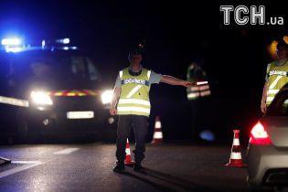 Водитель, который въехал в пиццерию во Франции, злоупотреблял фармацевтическими препаратами с 9 лет - СМИ