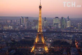 Огни Эйфелевой башни погаснут до 10 октября