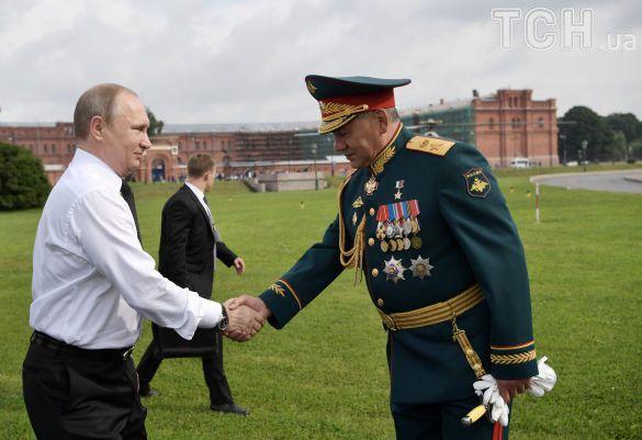 путін і шойгу на військово-морському параді у петербурзі_9