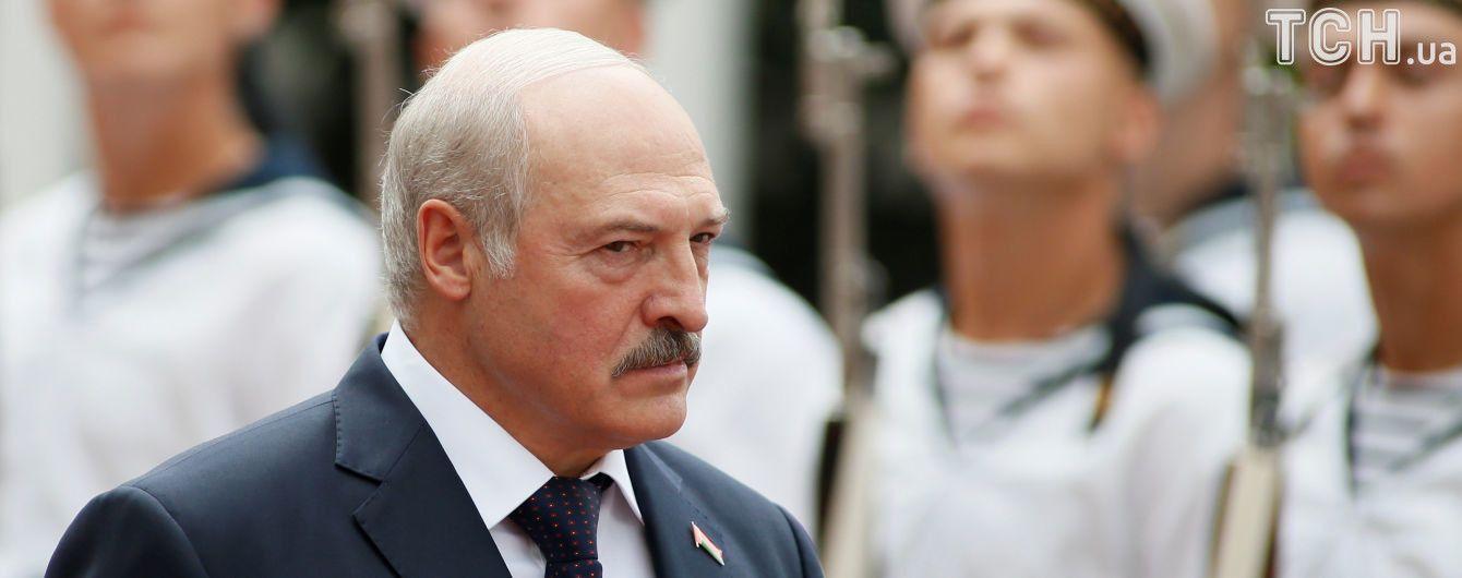 Ніч у приватному готелі та обморок головного прикордонника: чим запам'ятається візит Лукашенка до Києва