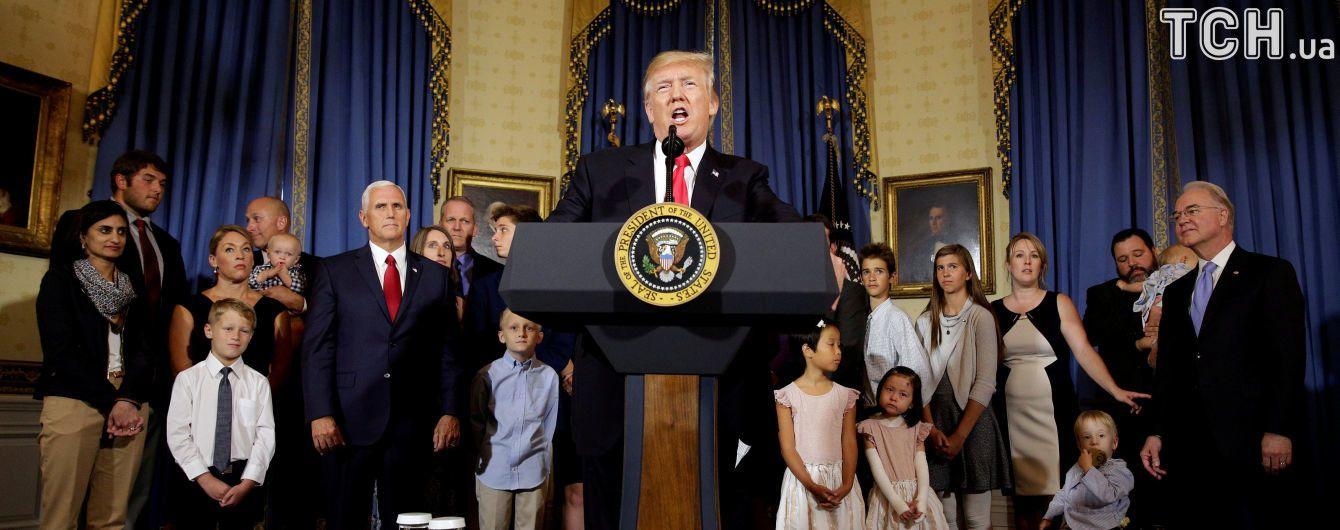 """В українському посольстві в США відповіли на закиди Трампа у """"втручанні"""" у вибори"""