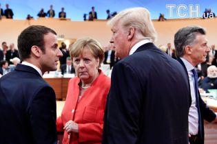 Лобстеры и икра: Макрон пригласил Трампа до дорогого ресторана на Эйфелевой башни – СМИ