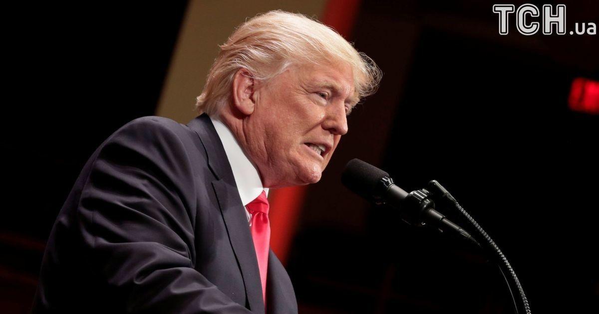 """CNN нашел и заставил извиниться автора скандальной гифки, на которой Трамп """"лупит"""" канал"""