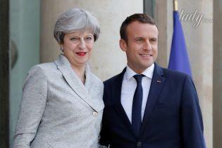 Нежный и ласковый Макрон: как президент Франции приветствует женщин