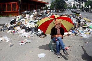 Баррикады и слезоточивый газ: в Венесуэле продолжаются протесты