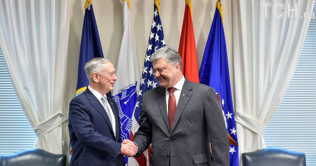 США могут принять решение о предоставлении оружия Украине до октября – Порошенко