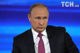"""Я - тоже человек. Четырехчасовая """"прямая линия"""" с Путиным в одном изображении"""