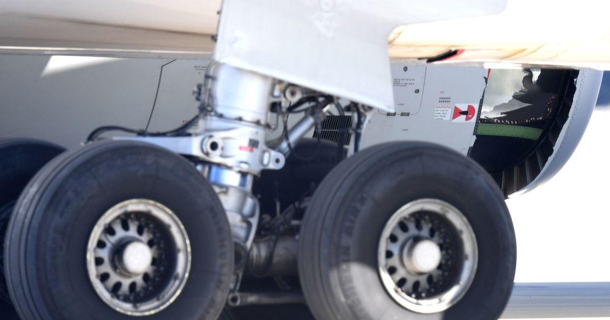 В полете произошла авария двигателя @ Reuters