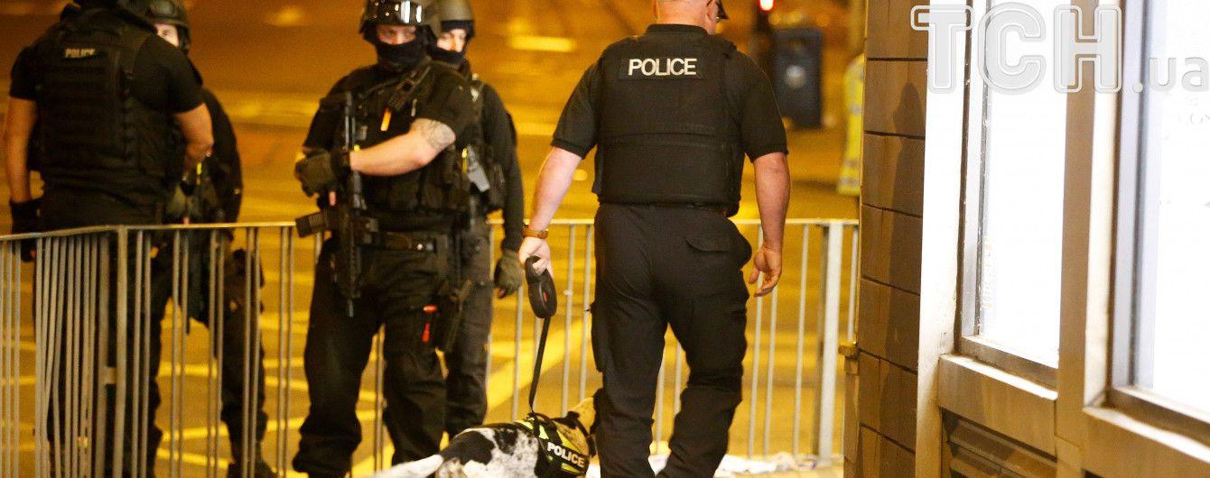 """У Лондоні закрили найбільший автовокзал """"Вікторія"""" через підозрілий пакет"""