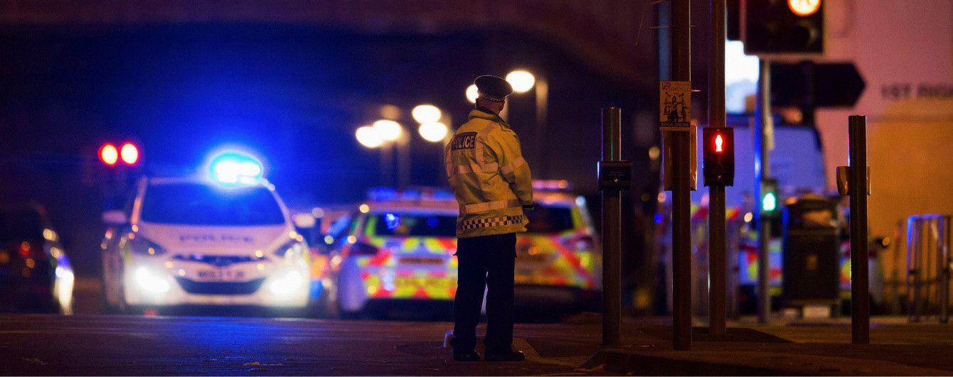 Звільнення екс-податківців та подробиці теракту у Манчестері. П'ять новин, які ви могли проспати