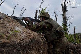 День в зоне АТО: боевики интенсивно обстреляли Водяное и успокоились на Луганщине
