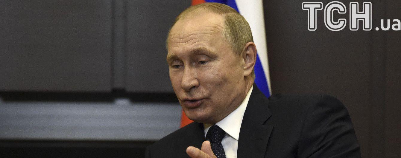 У Кремлі розповіли, про що Путін говоритиме з Макроном
