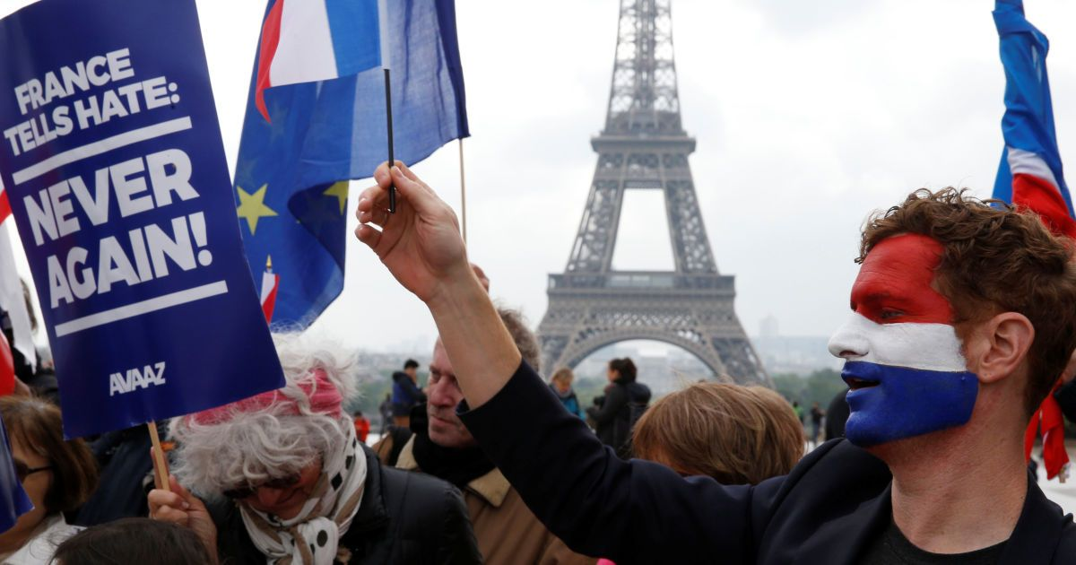 Вибори у Франції: після нічних безладів у Парижі затримані майже 150 осіб
