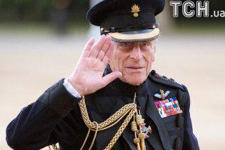 Букингемский дворец рассказал о состоянии здоровья мужа королевы Елизаветы II после операции