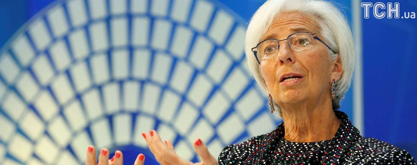Світова економіка через корупцію втрачає трильйони доларів - МВФ