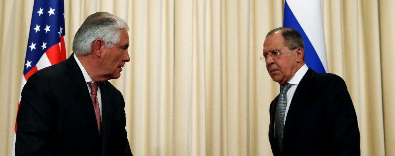 До зустрічі з Путіним Тіллерсон поспілкується з Лавровим