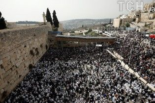 Страстная пятница. В Иерусалим съехались десятки тысяч паломников