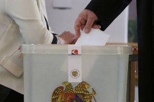 В Армении на выборах уверенно побеждает правящая партия - экзит-пол