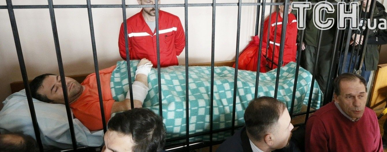 Насиров рассказал, где взял знаменитое клетчатое одеяло