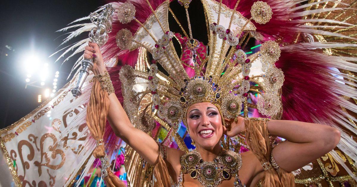 королева карнавала фото животные