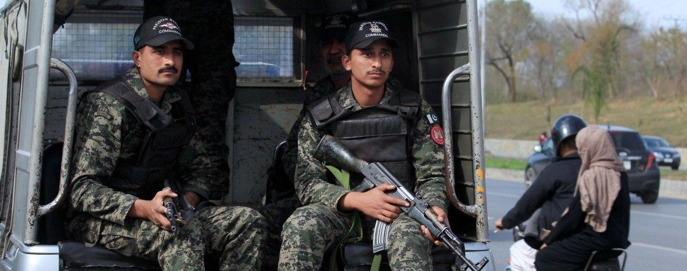 В пакистанском городке прогремел взрыв: десятки раненых
