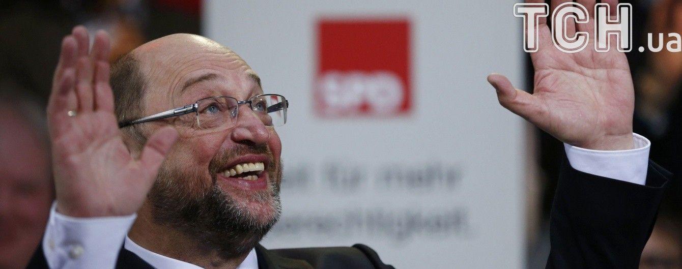 Немцы хотят видеть канцлером Шульца, а не Меркель — опрос