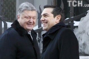 Греческий премьер в Киеве сходил в Софийский собор и поговорил с Порошенко о безвизе