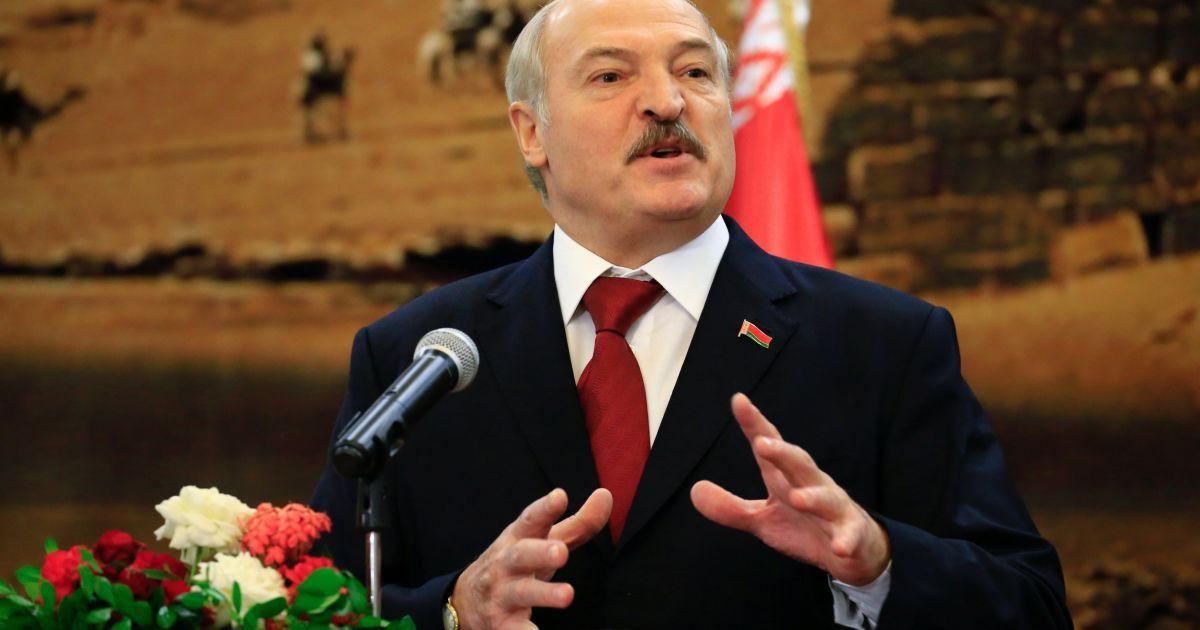 """""""Бо діляться!"""" Лукашенко обурився, що в Росії давлять українських селян та мовчать про олігархів"""